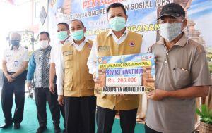 1.202 KK Kecamatan Dlanggu Terima JPS Provinsi Jatim