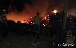 Korsleting, Satu Rumah Ludes Terbakar
