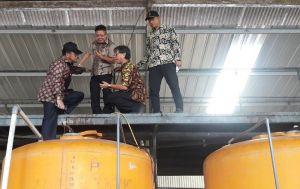 Mentan Kunjungi Pabrik Produksi Pupuk Organik di Karanganyar