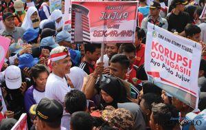Di Depan Kantor Gubernur,Ganjar Pimpin 3 Ribu Pelajar Demo Antikorupsi