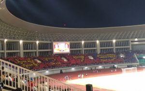 Koreografi Tiga Tribun,Laga Persis Solo vs Persib Bandung Makin Meriah