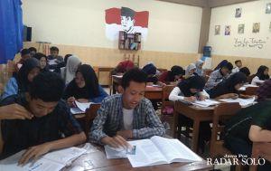 Ikut Tryout di SMA Batik 2 Solo Gratis, Berhadiah Laptop Pula