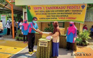Waswas Siswa Kelaparan saat Pandemi Korona, Guru Galang Donasi Sembako