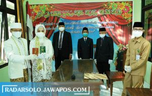 "Pengalaman ""Nggrantes"" Fithqoti Afiroh Zuqri Menikah di Masa Pandemi"