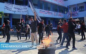 Demo Uniba Jilid 3, Mahasiswa Kepung & Desak Mundur Ketua Yapertib