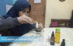 Modal Uang Amplop Lebaran, Siswi SMP Solo Ciptakan Minyak Anti Nyamuk