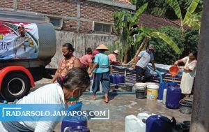 Krisis Air Bersih Sejumlah Daerah di Sragen, Jalan 2 Km Demi 1 Jeriken
