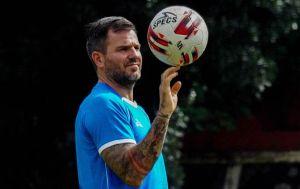 Simon McMenemy Ditunjuk Jadi Direkrut Teknik Bhayangkara Solo FC