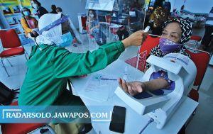 60 Ribu Lansia di Solo Belum Divaksin, Baru 10 Ribu yang Dapat Jatah