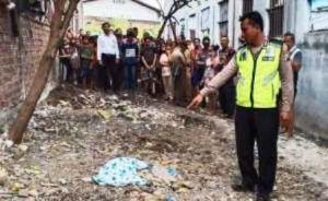 Mayat Bayi Ditemukan Membusuk Dikubur di Tanah Kosong