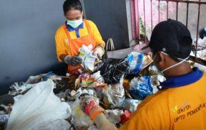 Tangani Sampah, Dorong Produk Daur Ulang Gantikan Kantong Plastik