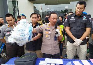 Nyamar Jadi Ekspedisi, Polisi Bongkar Penyelundupan 4,7 Kg Sabu
