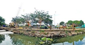 Perkuat Plengsengan Sungai Pagerwojo, DPUBM Pasang Sheet Pile