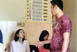 Nekat, Dua Wanita Bawa SS ke Mapolrestabes Surabaya