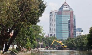 Pemkot Normalisasi Sungai Kalimas Antisipasi Puncak Musim Hujan