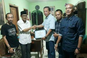 PWI Jatim Beri Penghargaan dan Tali Asih ke Wartawan Senior Sambut HPN
