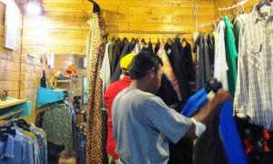 Thrift Store Masih Sangat Diminati Masyarakat