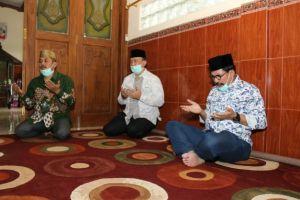 Cak Machfud Ajak Warga Ikhtiar dan Berdoa agar Jatim Bebas Korona