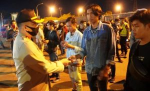 Aparat Gabungan Gelar Patroli Jam Malam, Sita Ratusan KTP, SIM dan HP