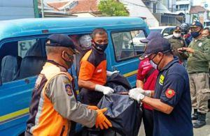 Usai Berobat, Penumpang Meninggal Mendadak di Angkot Lyn WL