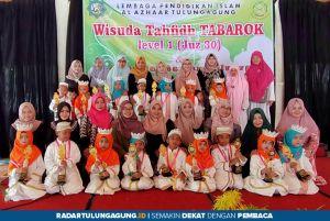 17 Santri TK Islam Al Azhaar Hapal Juz 30, Diwisuda Tabarok Level 1