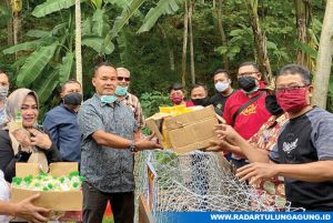 DPD Partai Golkar Trenggalek Beri Bantuan di Desa Ngepeh