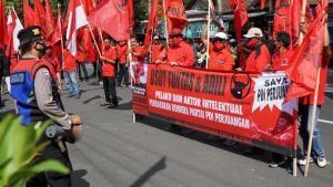 Pengurus PDIP Kota Blitar Unjuk Rasa