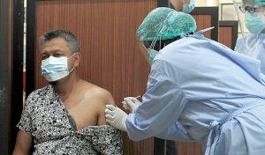 Anggota DPRD Kota Blitar Ikut Vaksinasi Tahap Dua