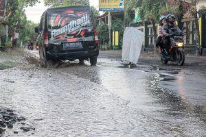 390,5 Km Jalan Kabupaten Rusak