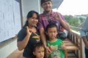 Pasangan Tuna Rungu Nyoblos, Dibantu Anak Saat Dipanggil