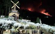 Gunung Agung Erupsi, Lontaran Lava Pijar Dekati Pura Pasar Agung