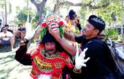 Gede Komang, Kadisbud Buleleng yang Juga Penari Wayang Wong