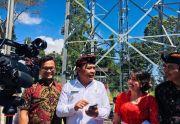 Sulit Akses Internet, Cari Sinyal Mesti Turun Gunung