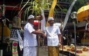 Sekda Adi Arnawa Hadiri Pujawali di Pura Ulun Swi Jimbaran