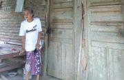 Rumah Dilempari, Nenek asal Banjar Munduk Ranti Syok