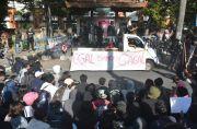 Polisi Turunkan Kekuatan Penuh, Mahasiswa Sindir Kampus Tutup Mendadak