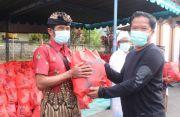 Sembako Gotong Royong di Bangli Mulai Dibagikan