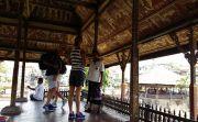 PARAH! Banyak Turis Asing Masuk Objek Wisata Tanpa Tiket Masuk