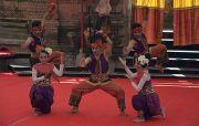 Bawakan Tari Akulturasi Budaya, Transmigran Bali Hipnotis Panggung PKB