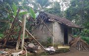 Atap Genteng SDN 1 Ungasan Berserakan, Rumah Warga Miskin Rusak Parah