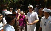 Sanksi Adat Duo Turis Ceko Cebok di Tempat Suci, Begini Kata Bendesa…