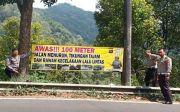 Kerap Makan Korban, Polisi Pasang Imbauan di Tikungan Maut