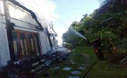 HOT NEWS! Villa Mewah Milik Pensiunan Pilot Ludes Terbakar