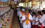 Hadiri Karya Atma Wedana, Bupati Giri Sokong Dana Upakara Rp 700 Juta