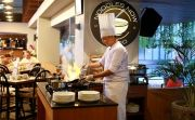 Rayakan Tahun Baru Bertema Hawaii, Sajikan All You Can Eat BBQ