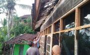 Puting Beliung Terjang Munduktemu Pupuan, Rumah & Merajan Rusak Parah