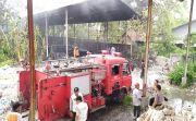 Limbah Pabrik Kertas Minyak di Banubiru Negara Terbakar