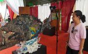 Keren, Seniman Buleleng Sulap Sampah Jadi Karya Seni Bernilai Tinggi