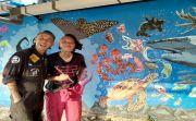 Hadir di Singaraja, Mike & Bobby Marjinal Kritik Sampah Banyak ke Laut
