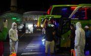 Tiba di Bali, Rombongan Kaling Kadus dan Camat Disemprot Disinfektan